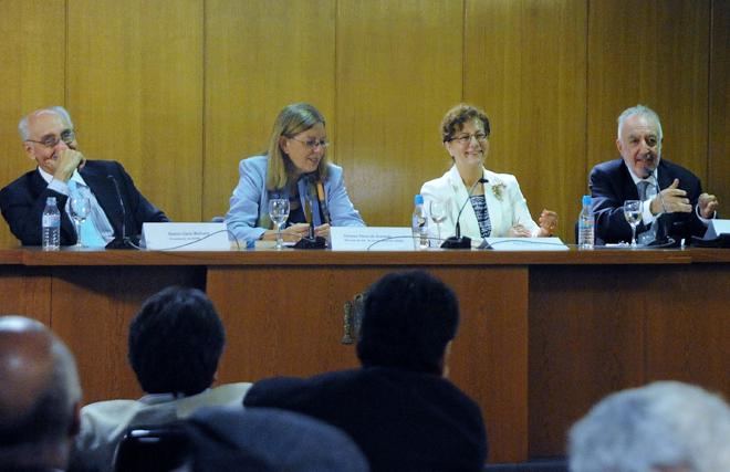 """Presentación del libro """"El Periodismo en el laberinto"""""""