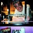 Eduardo Haro Tecglen fotografiado en la primavera de 1999, en la taquilla del teatro Alfil / Foto: Ajo