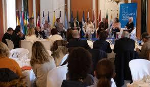 El silencio del Atlántico. Puente de la mujer migrante iberoamericana en España